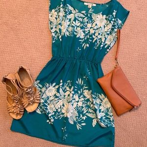Beautiful floral dress EUC